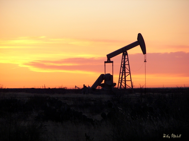 sunrise-on-the-oil-patch-south-of-midland